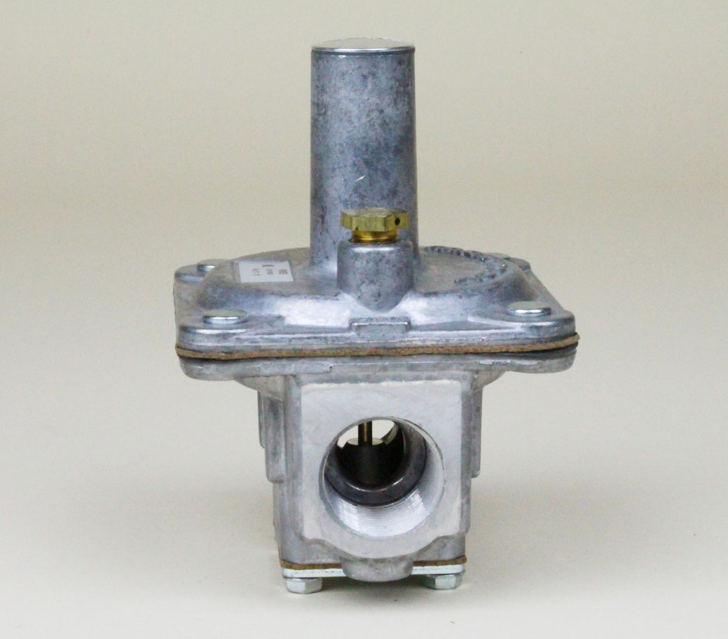 P/J-82 Gas Pressure Regulator, Maxitrol RV52 3/4""